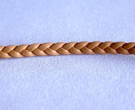 Trenza 3 cabos tira doblada y piel