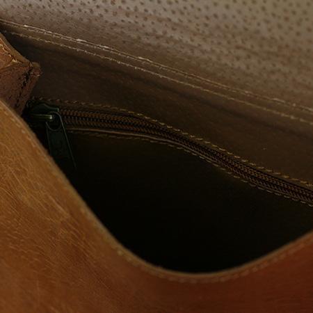 Detalle interior bolso comera